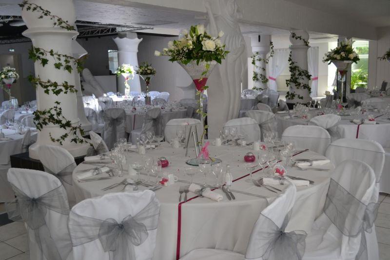 Salle décorée en blanc
