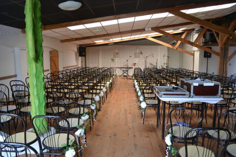 Cérémonie de mariage laïque dans la salle Soleil